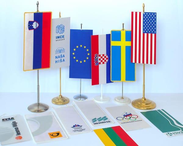 Namizne-zastave-vseh-vrst